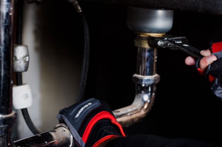 Mistakes to Avoid When Hiring Plumbers